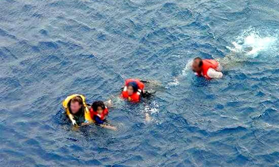 This was the photographic 'proof' that the children were 'thrown overboard'. Source: AP