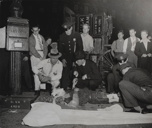 A classic Weegee photo titled 'Street Accident', New York, 1941. Source: Museum of Modern Art/Weegee