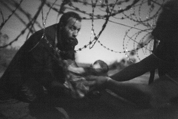 Warren Richardson's photo won this year's World Press Photo of the Year award. Photo: Warren Richardson. Source: WPP.