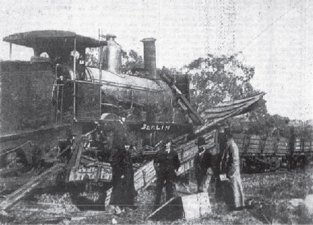 Railway accident at Young, photograph by George Berlin. 15 Sept 1888. The Sydney Mail 558. Source: National Library of Australia.